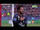 В ответном матче Атлетико побеждает Реал Мадрид со счетом 2:1. Но с общим счетом 2:4 дальше проходят «сливочные».   Голы: 1:0 –