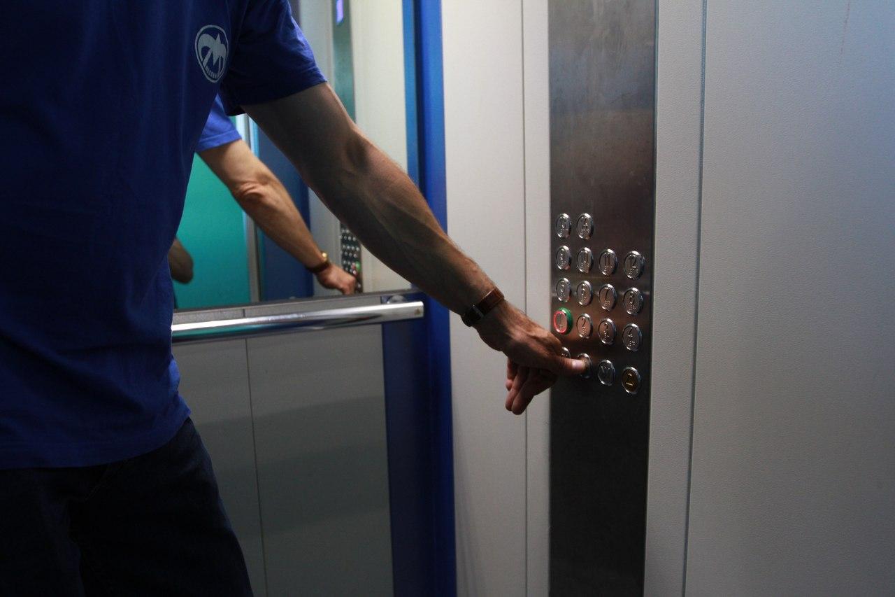 До конца 2016 года в Южном Медведкове поменяют 57 лифтов