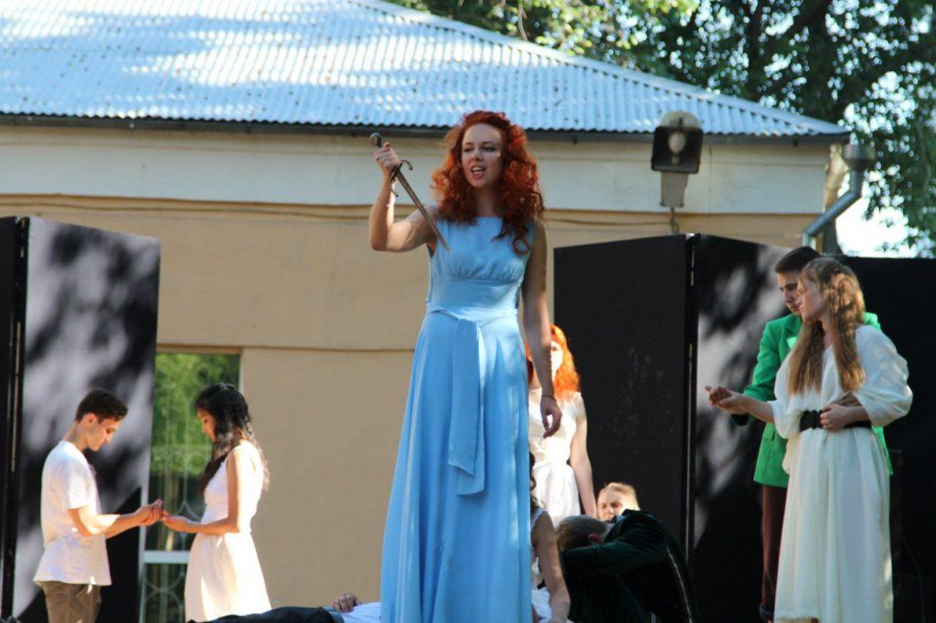 Интерактивный спектакль «Ромео и Джульетта» поставили студенты из СВАО