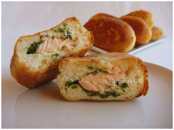 Пирожки с лососем на картофельном тесте: