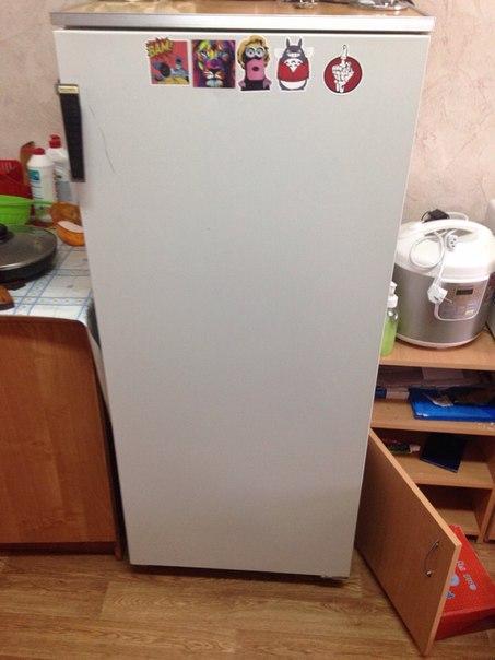 Холодильник нужен кому нибудь? В общаге , по вопросам в комнату 330
