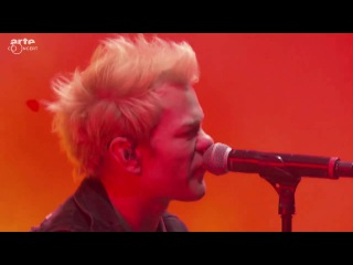 Sum 41 live at Festival Cabaret Vert 2016
