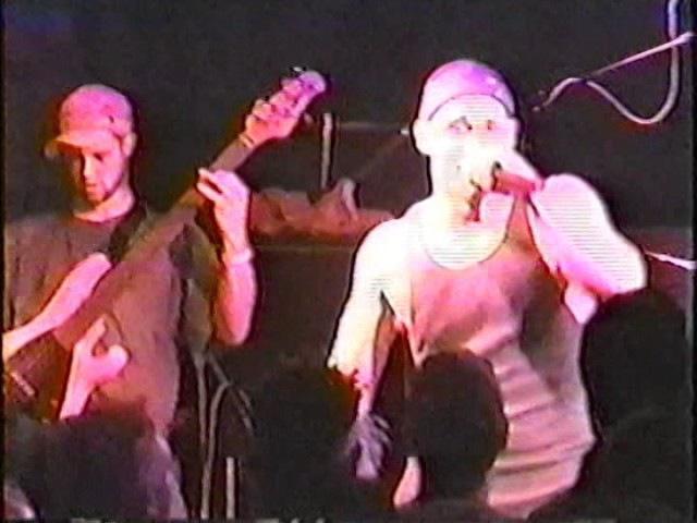 E-Town Concrete - FULL LIVE SHOW (02/12/01)