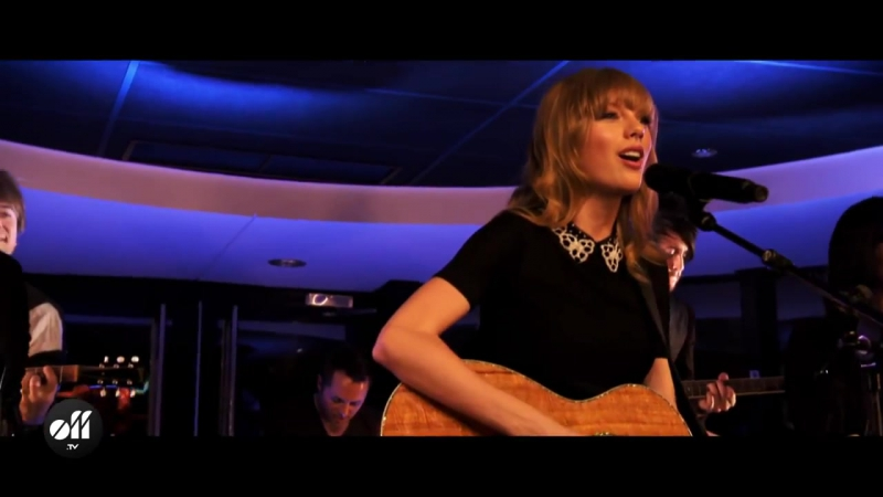 OFF LIVE - Taylor Swift 'Love Story' Live On The Seine, Paris