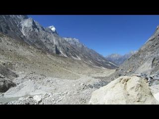 Гималаи. Ледник Гомукх. Гора Шивалинг