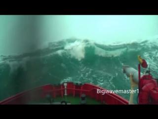Зрелищная подборка самых эффектных волн от старого морского волка