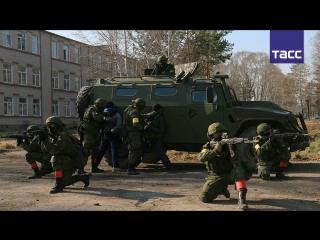 "Видео учений спецназа по ликвидации ""террористов"""