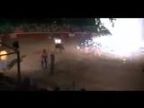 Maltraitance animale  Lorsque l'humain met le feu aux cornes d'un taureau juste pour le fun