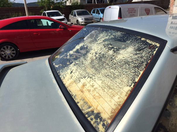 Фото: В Башкирии в автомобиле из-за жары взорвался баллон