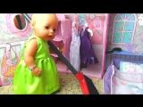 Вредные куклы Беби Бон. Bad Baby born Doll ОБИДЕЛ КУКЛУ. Уборка в Кукольном домике - кукла против.у