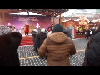 танцюльки на Красной площади под Украинскую песню)))