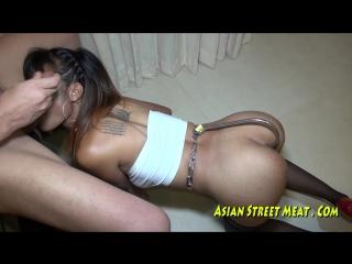 Снял на улице в тайланде проститутку и выебал во все дыры. порно малолетка 18летняя шлюха