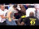 В Париже разъярённые болельщики,избили кикбоксера на ринге,из-за подлого удара с зади!ВИДЕО