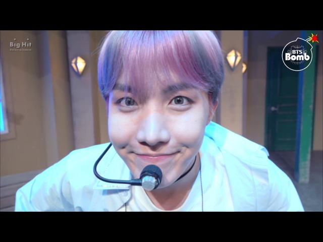 [BANGTAN BOMB] Eye contact with j-hope just for 10 seconds - BTS (방탄소년단)