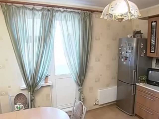 Пример дизайна кухни 10 кв.м. с балконом