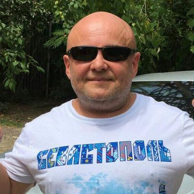 Александр Невоструев