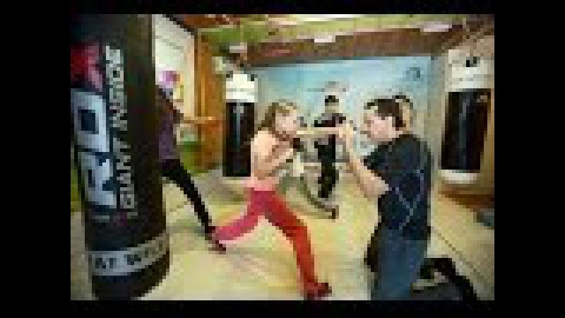 Тренировка самой быстрой в мире девочки-боксера Эвники Садвакасовой и ее семьи