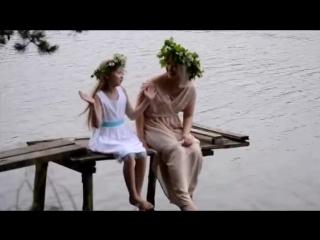 Исполнители - Елизавета Перминова и Влада Сергеева. Песня Бабушка (на удмуртском и русском языках).