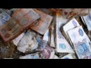 """Вести.Ru: """"Черные копатели"""" в поисках драгметаллов вскрывают шахты с огромным количеством банкнот СССР"""