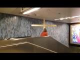 Немец в костюме Иисуса пробил деревянным крестом потолок в метро