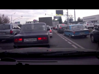 Волга дразнит заниженную Приору