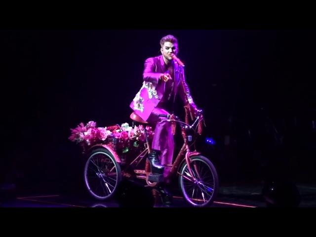 Queen and Adam lambert - Bicycle Race - Barclays Center NY