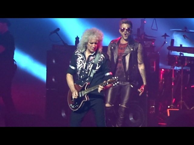 Queen with Adam Lambert - We Will Rock You/Hammer To Fall - Barclays Center NY