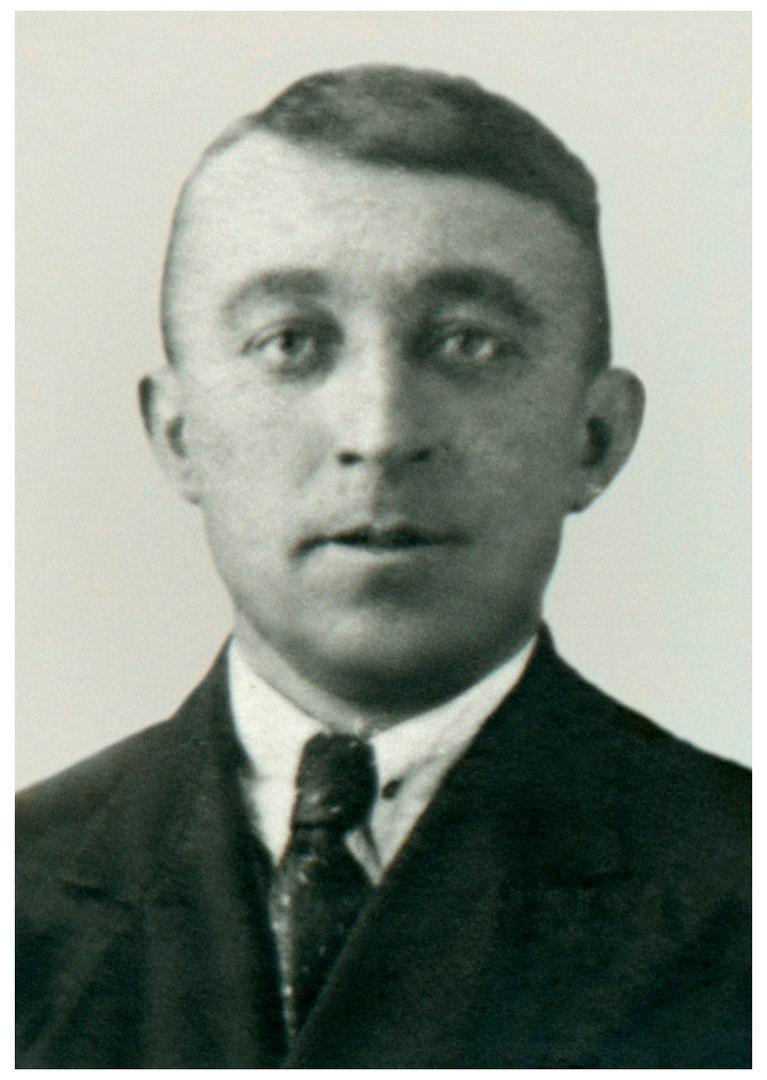 Филипп Леонидович  yasniru