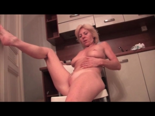 Hot blonde granny with great tits masturbates - masturbation porn