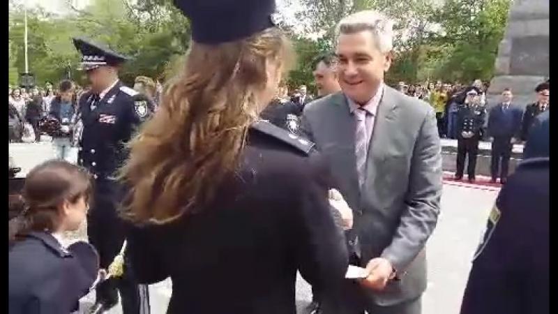 Принял участие в церемонии выпуска офицеров полиции Одесского государственного университета.