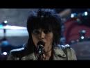 "Members of Nirvana w⁄ Joan Jett – ""Smells Like Teen Spirit"" Live at 2014 Rock Hall Induction"