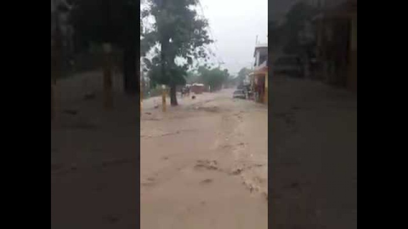 INTENSAS LLUVIAS:-Situación difícil en Cambita, San Cristóbal.
