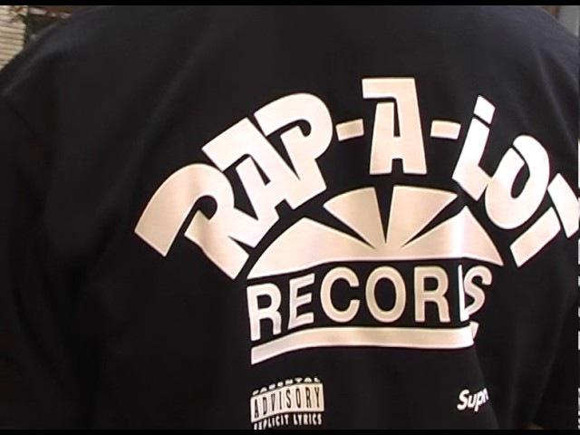 Supreme SS17 - Week 7 - Dr Martens Rap-A-Lot » Freewka.com - Смотреть онлайн в хорощем качестве