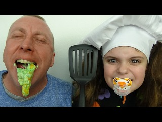 Bad Baby Chef Victoria Cooking Fail Green Slime Pancakes Annabelle Daddy Toy Freaks