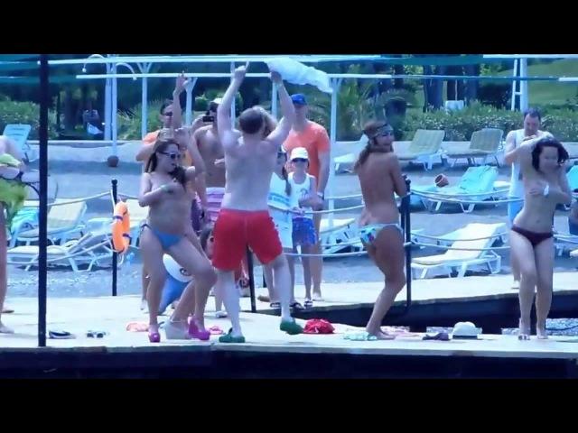 девушки из камеди вумэн танцуют стриптиз