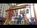 Диана катается на карусели. Фестиваль мороженого 10.07