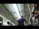 Пьяный русский затеял драку с Казахами в Московском метро