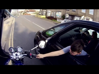 Мотоциклист подарил мальчику мгновение радости