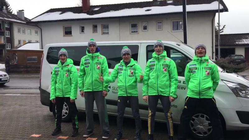 NAGRAJUJEMO zeleno bundo smučarskih skakalcev
