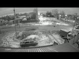 В Воронеже вслед за запасным колесом из «Буханки» выпал пассажир