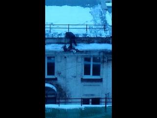 Как правильно убирать снег с крыши в Самаре