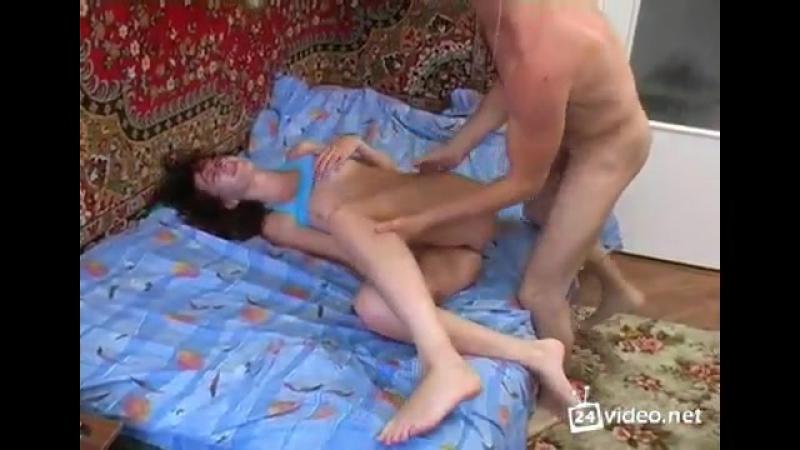 точнее ебут пьяную в хлам девушку любительские съемки качественная порнушка