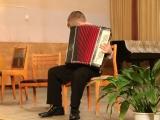 Степан Смирнов  воспитанник педагога ДШИ №2 Валерия Егорова  исполняет обработку народной музыки.