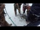 ЕЛЕ ВЫТАЩИЛИ ЭТОГО СОМА ИЗ ЛУНКИ ТАКОГО Я НЕ ОЖИДАЛ. Зимняя рыбалка первый лед.