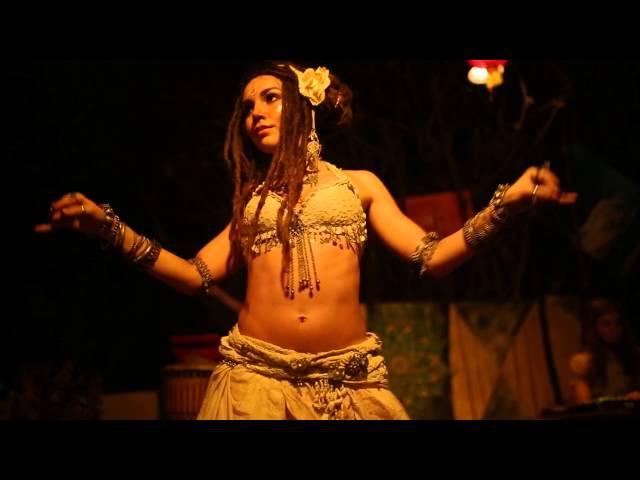 Kayatma Dinara Yuldasheva(vocal), Anya Lesnaya (tribal fusion dance) Arambol, Goa