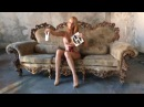 Секси блондинка показала киску между ног @69erotig