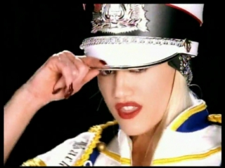 Gwen Stefani - Hollaback Girl [HD] 2005