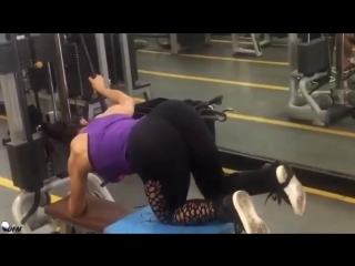 NEVER CRY - Female Fitness Motivation