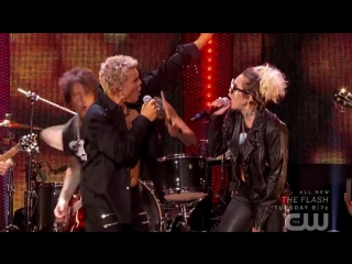 Billy idol & miley cyrus - rebel yell (live)