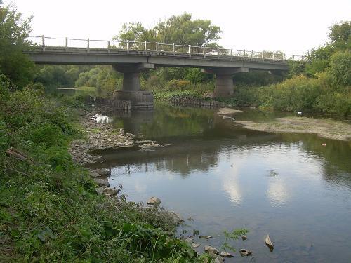 Рядом мост через реку Урал (07.12.2016)